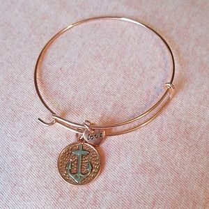 Jewelry - Rose gold anchor bracelet